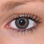 3 tones grey v detailu na původní barvě očí hnědé