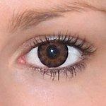Sexy brown v detailu na původní barvě očí hnědé