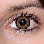 Sexy brown v detailu na původní barvě očí hnědo-zelené