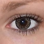 Elegance brown v detailu na původní barvě očí hnědé