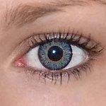 Glamour aqua v detailu na původní barvě očí hnědé